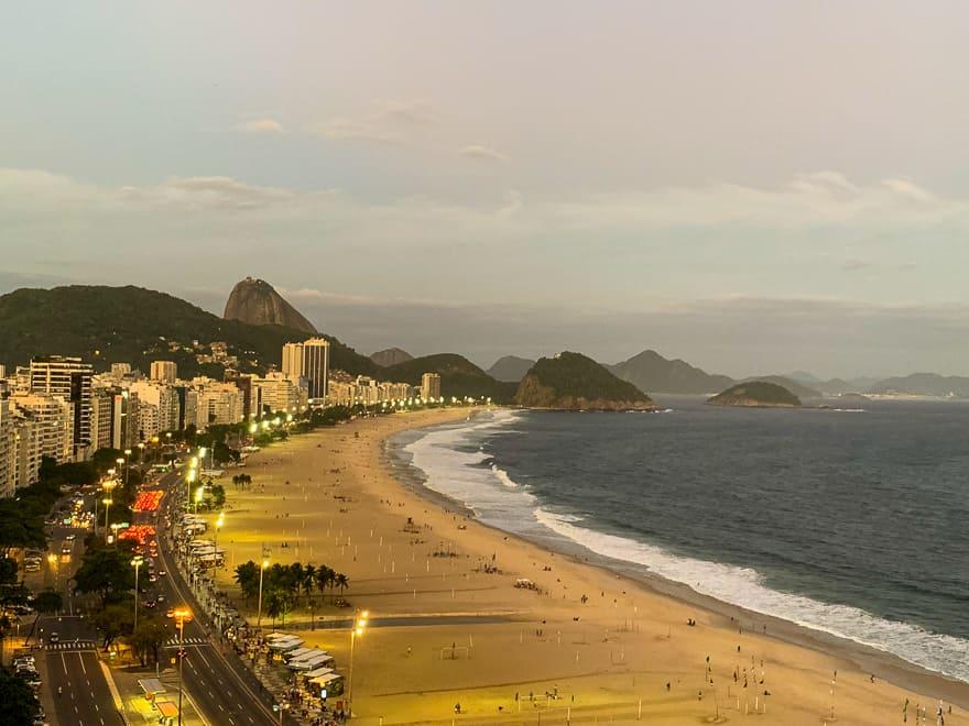 praia de copacabana vista hotel pestana verão no rio de janeiro